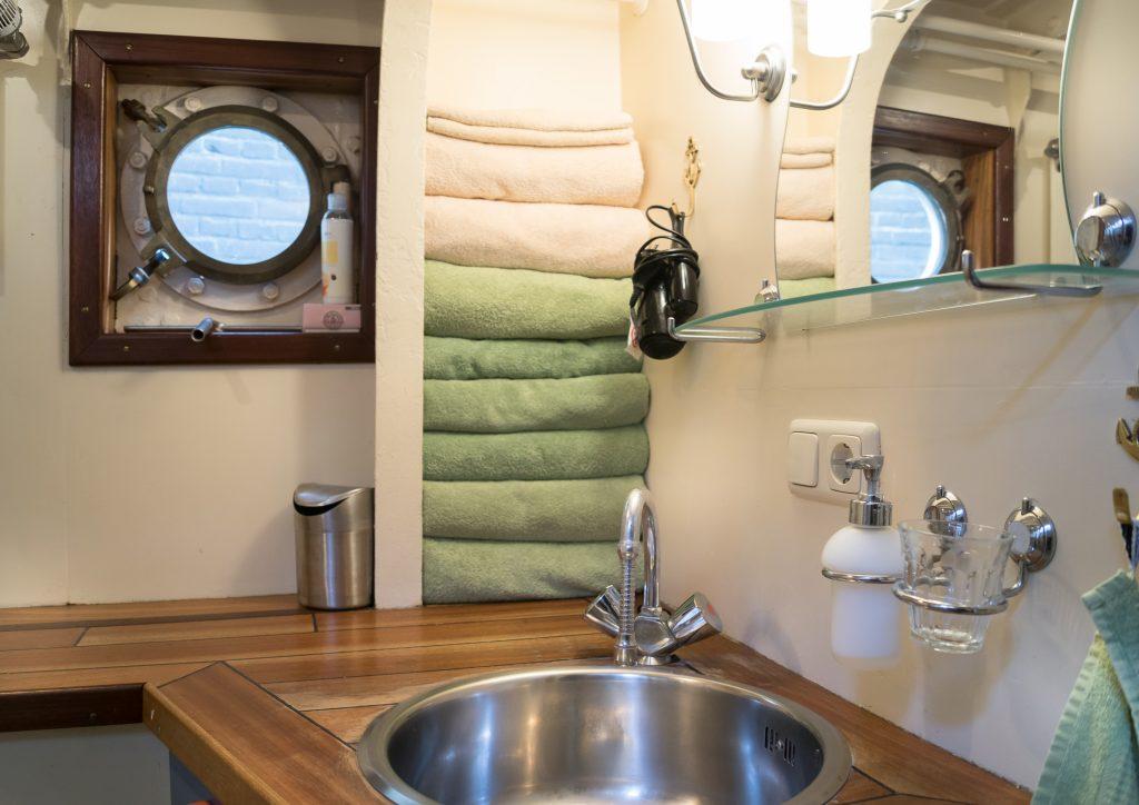 Bootappartement, badkamer